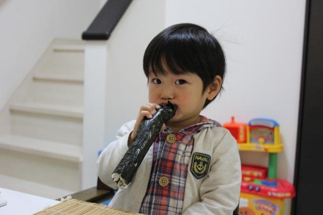 恵方巻きの具材は子供が喜ぶ物を使ってアンパンマン巻き寿司を手作り